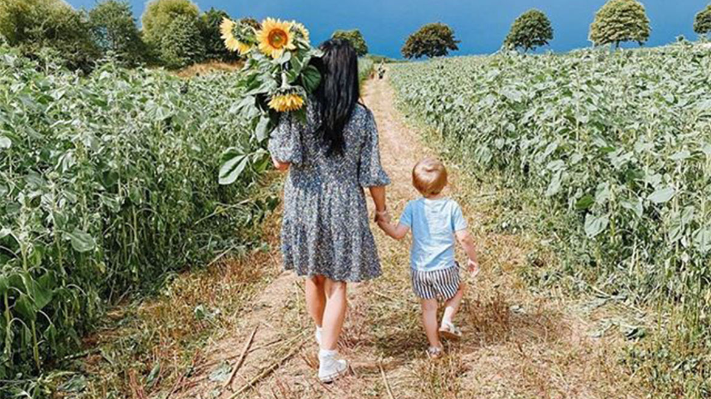 Sunflower picking at Dart's Farm 2020